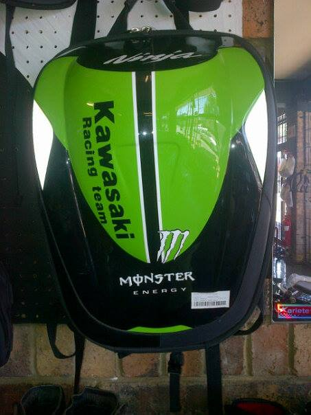 Kawasaki Monster Back Packs R1600_n.jpg